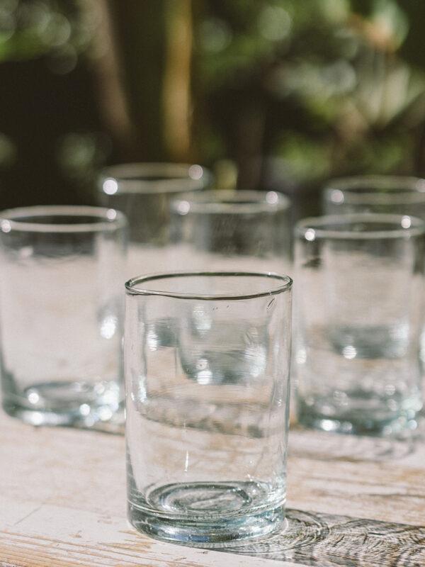 Set de 6 vasos de vidrio reciclado soplado